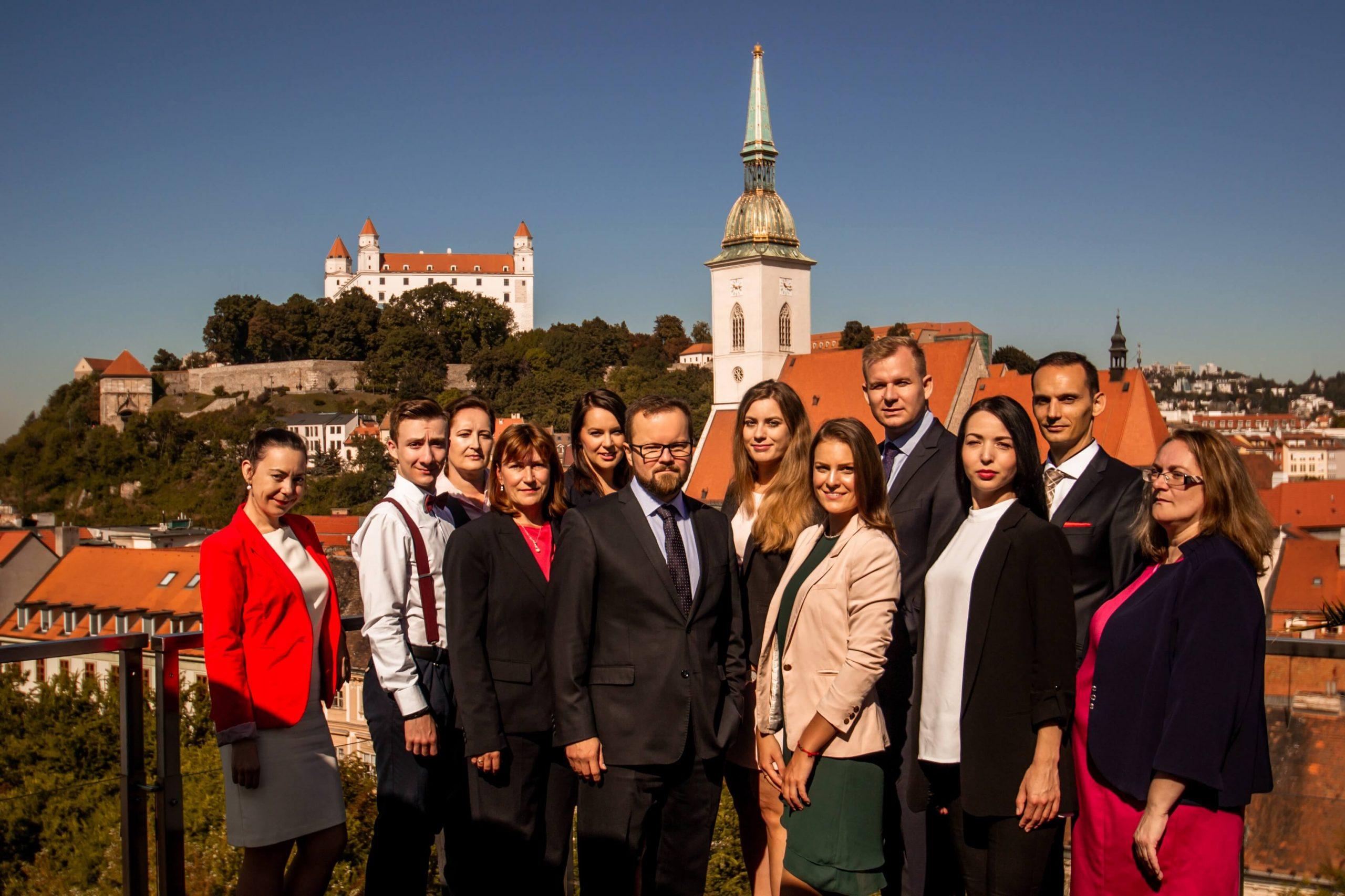 tím účtovníkov a daňových poradcov spoločnosti emineo partners